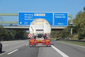 Caravelle auf der Autobahn Richtung Ismaning