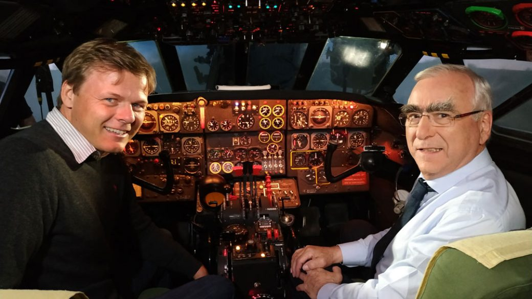 Theo Waigel und der BR im Caravelle Simulator